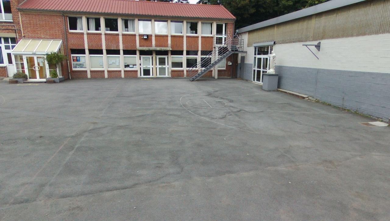 Salle des professeurs, étude et salle d'EPS